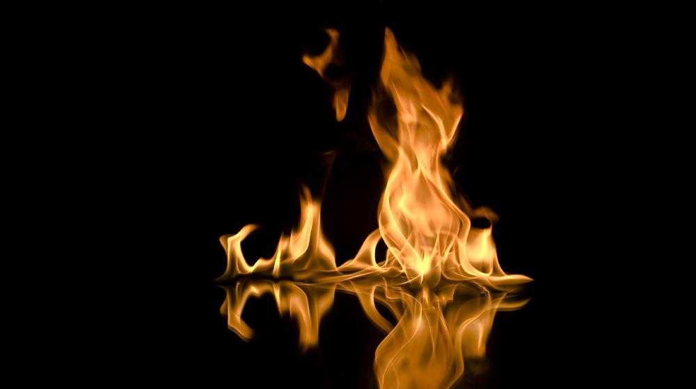 炎を感知し火災警報になる壁紙
