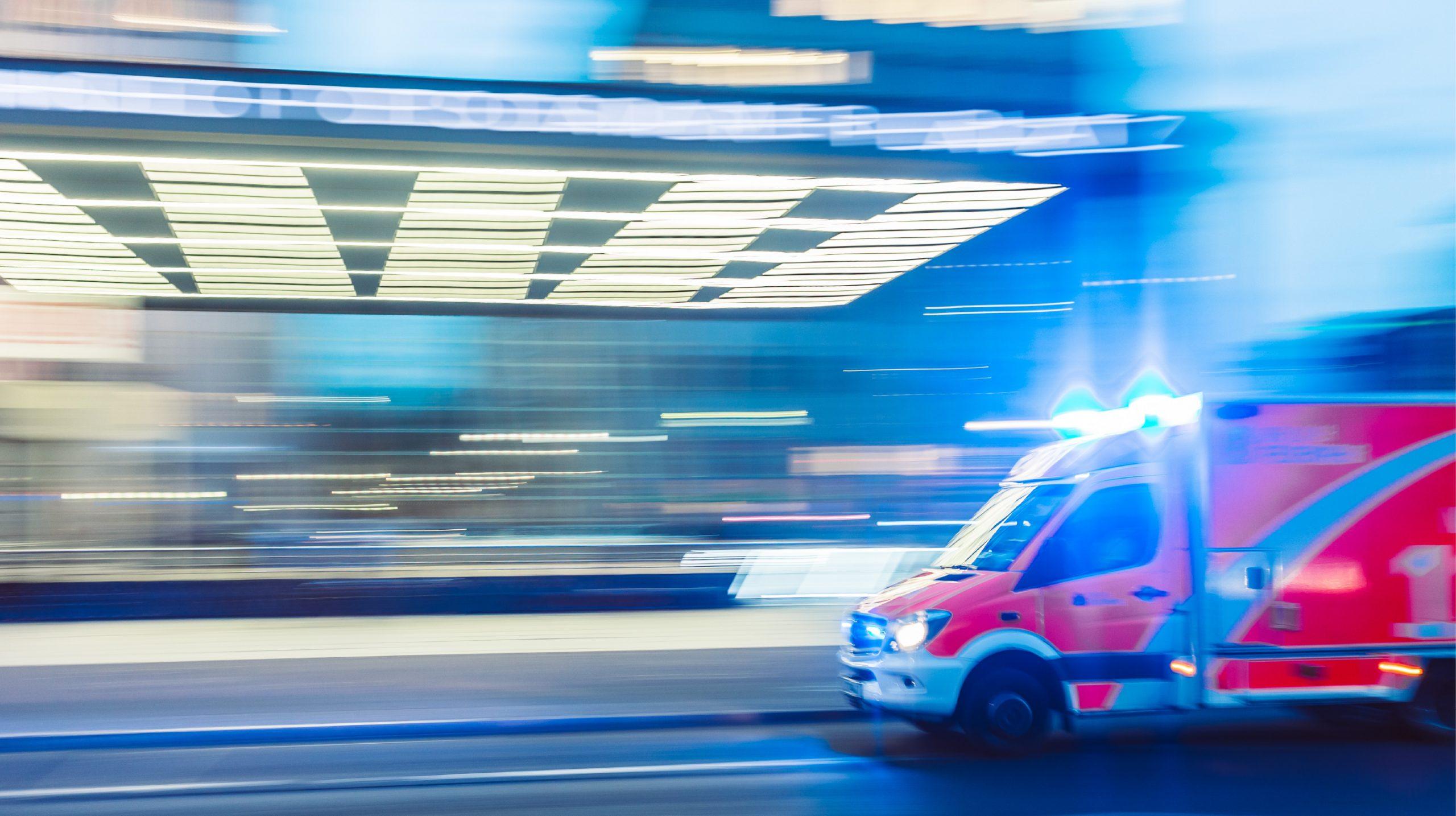 救急車両における高速道路の渋滞問題を解決した『Median AMB』