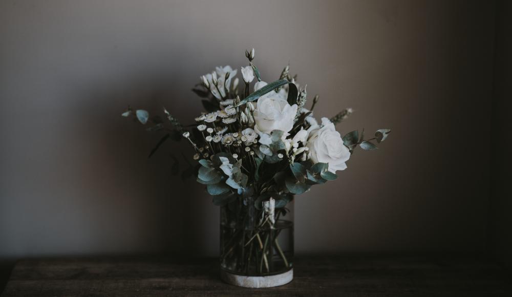 防災への関心を高める、花瓶型の簡易消火器