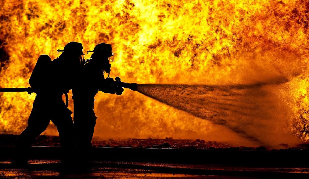 次世代消防士の訓練は、煙も水も使用しないVRで。